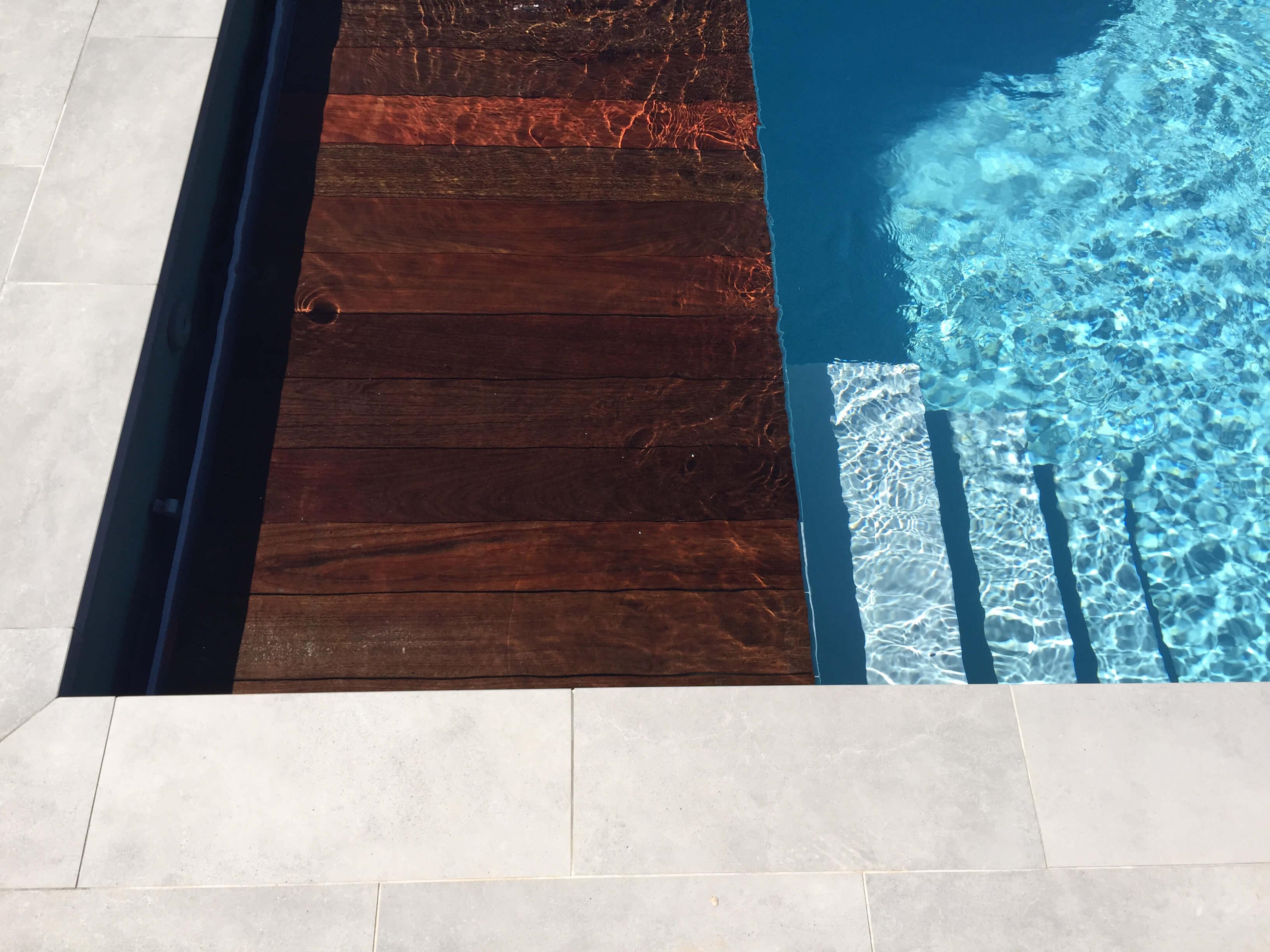 Piscine et aménagement extérieur - Eguilles - Espaces Modernes