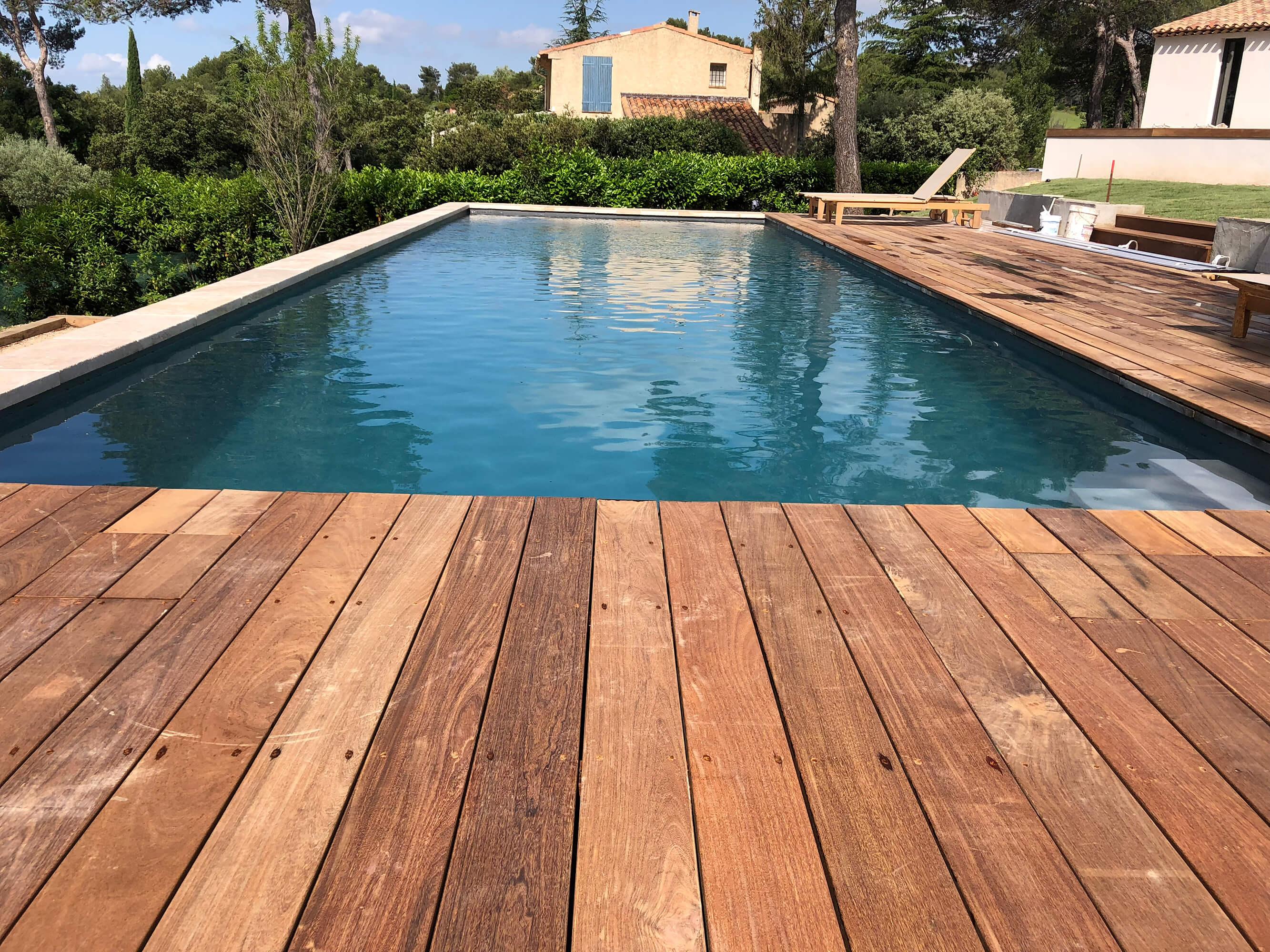 Piscine et terrasse - St Marc Jaumegarde - Espaces Modernes Construction & aménagement